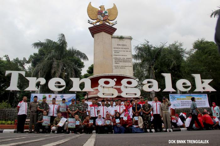 June 2016 Humas Bnn Kabupaten Trenggalek Foto Bersama Usai Giat