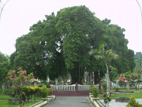 Profil Daerah Rahmaiesp Alun Kota Sarana Rekreasi Keluarga Ramai Dikunjungi