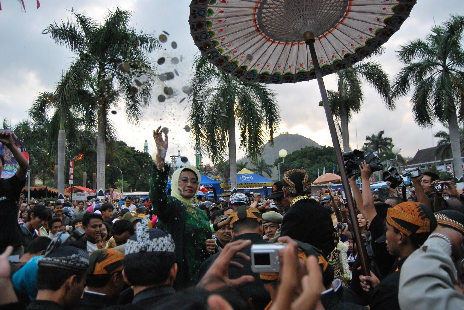 Prosesi Hari Jadi Kabupaten Trenggalek 815 Cobacoba16 Puncak Perayaan Bertempat