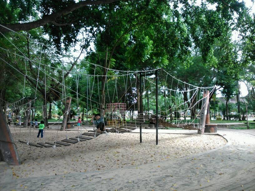 Tempat Bermain Anak Bersantai Alun Trenggalek Berkunjung Taman Semakin Seru