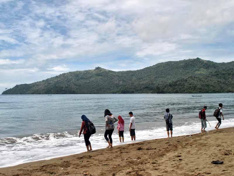 10 Obyek Wisata Trenggalek Patut Dikunjungi Pantai Damas Kab