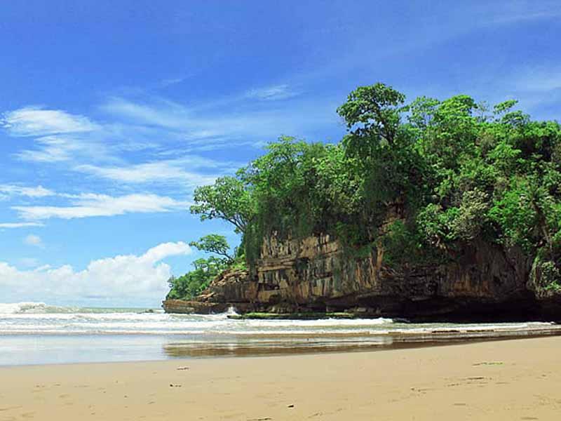 10 Obyek Wisata Trenggalek Patut Dikunjungi Pantai Pelang Damas Kab