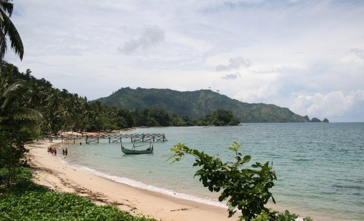 10 Tempat Wisata Trenggalek Wajib Dikunjungi Pantai Prigi Damas Kab