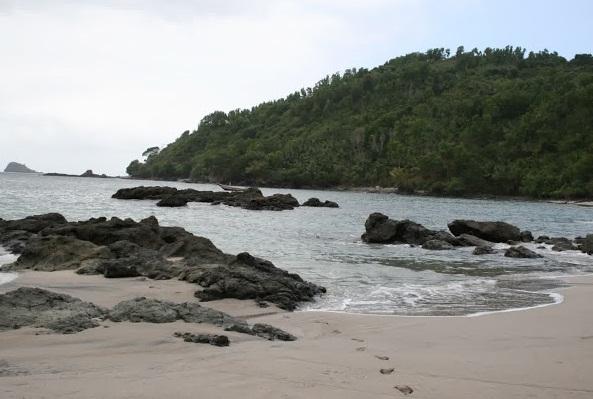 24 Tempat Wisata Kabupaten Trenggalek Wajib Dikunjungi Pantai Ngampiran Damas
