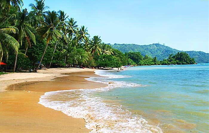 Karanggongso Pantai Pasir Putih Trenggalek Faktualnews Damas Kab