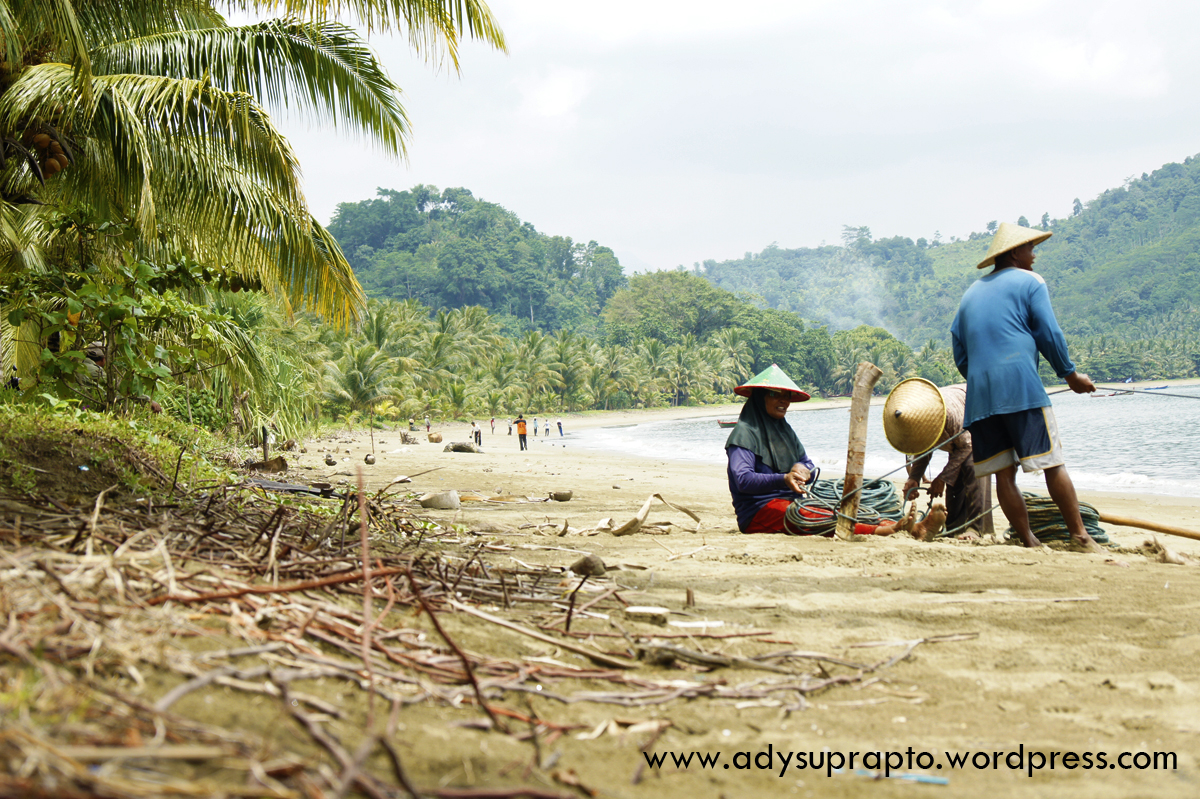 Pantai Damas Trenggalek Adysuprapto Bertempat Kabupaten Salah Satu Keindahannya Kab