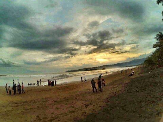 Pantai Alami Ulasan Konang Trenggalek Indonesia Tripadvisor Kab