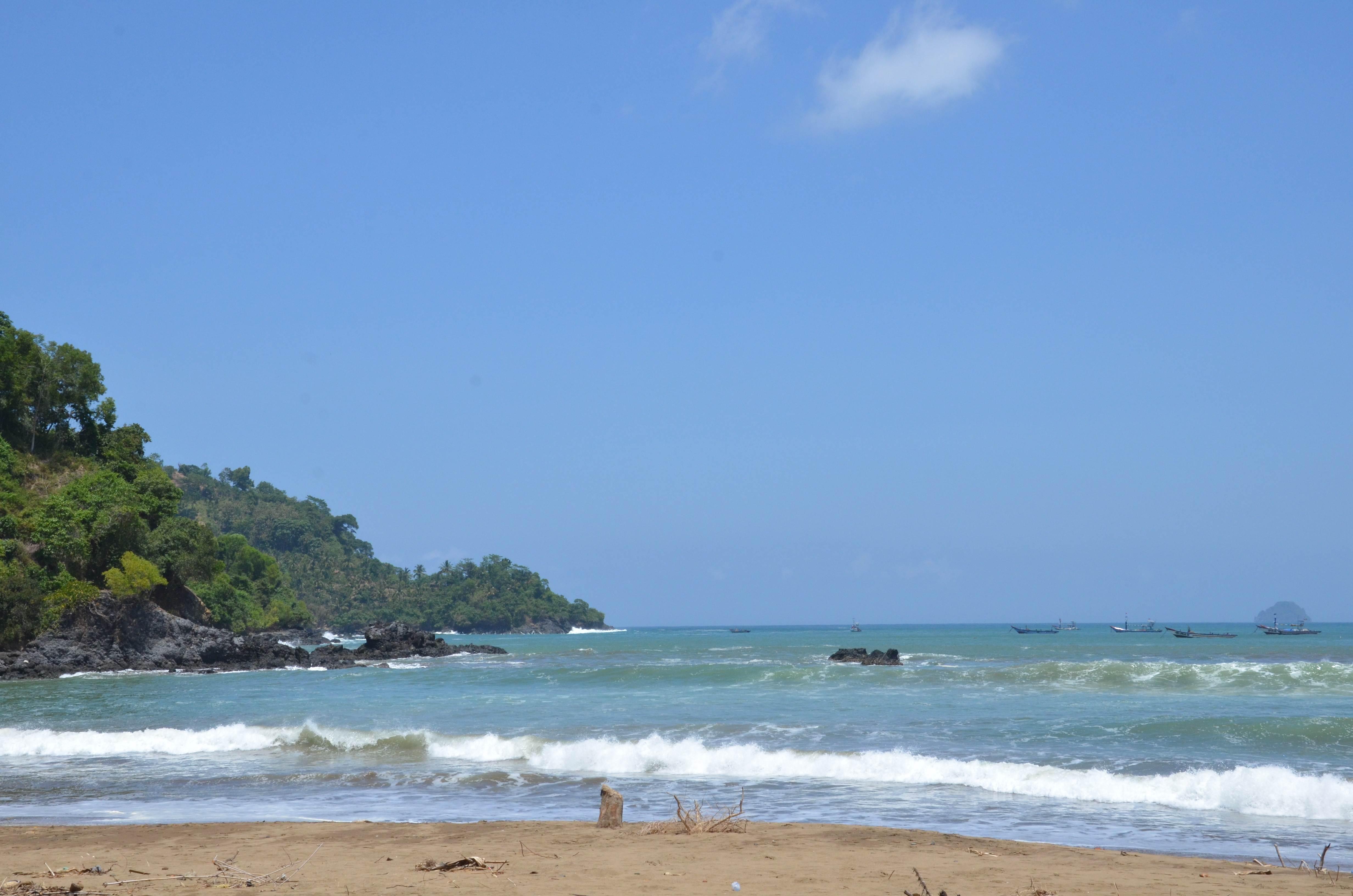 Pantai Blado Visit Trenggalek Konang Kab