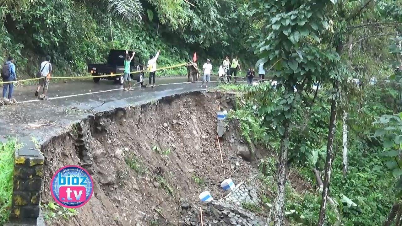 Jalan Nasional Arah Pantai Prigi Trenggalek Longsor Ancam Keselamatan Pengguna