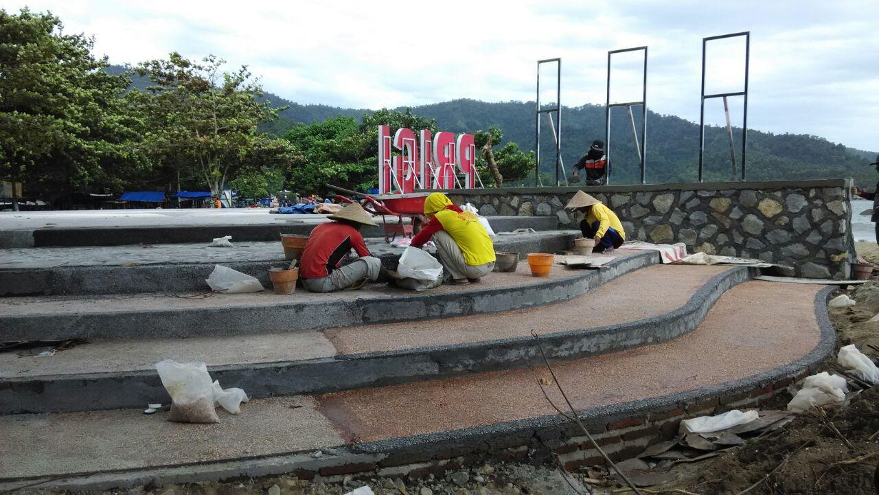 Kembangkan Wisata Trenggalek Bangun Panggung 360 Derajat Pantai Prigi Kab