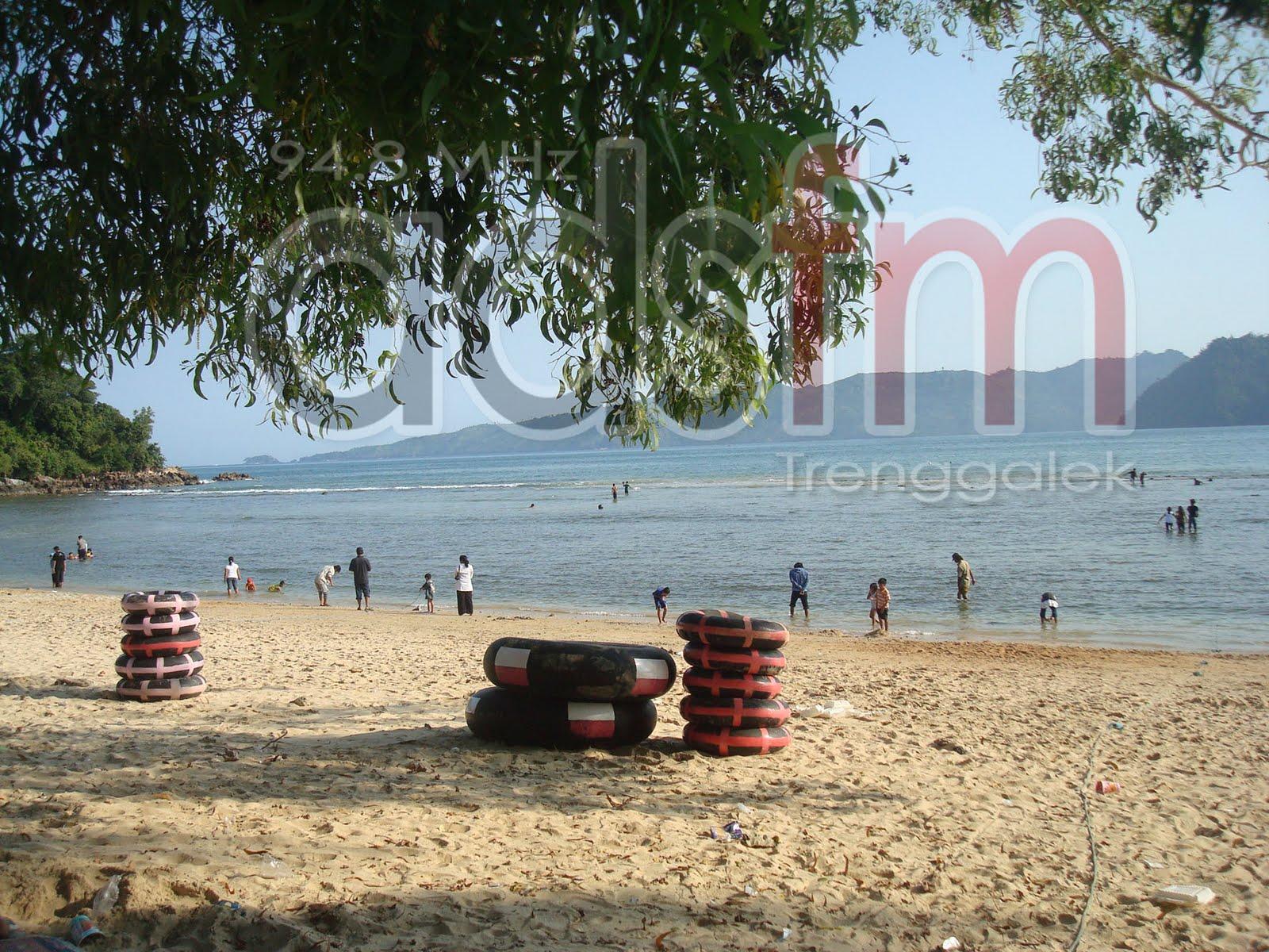 Manajemen Administrasi Perkantoran Pantai Prigi Kabupaten Hampir Jam Tiga Sore
