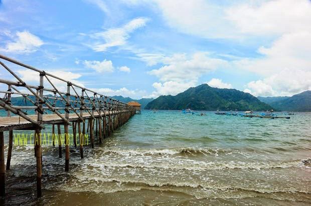 Melihat Senja Pantai Karanggongso Trenggalek Catatan Nobi Salah Satu Kabupaten