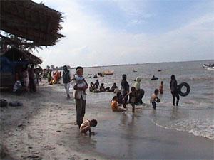 Menikmati Pantai Prigi Murah Meriah Poskota News Surabaya Pos Kota