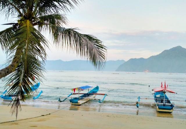 Pantai Prigi Terkenal Trenggalek Yuk Piknik Kab