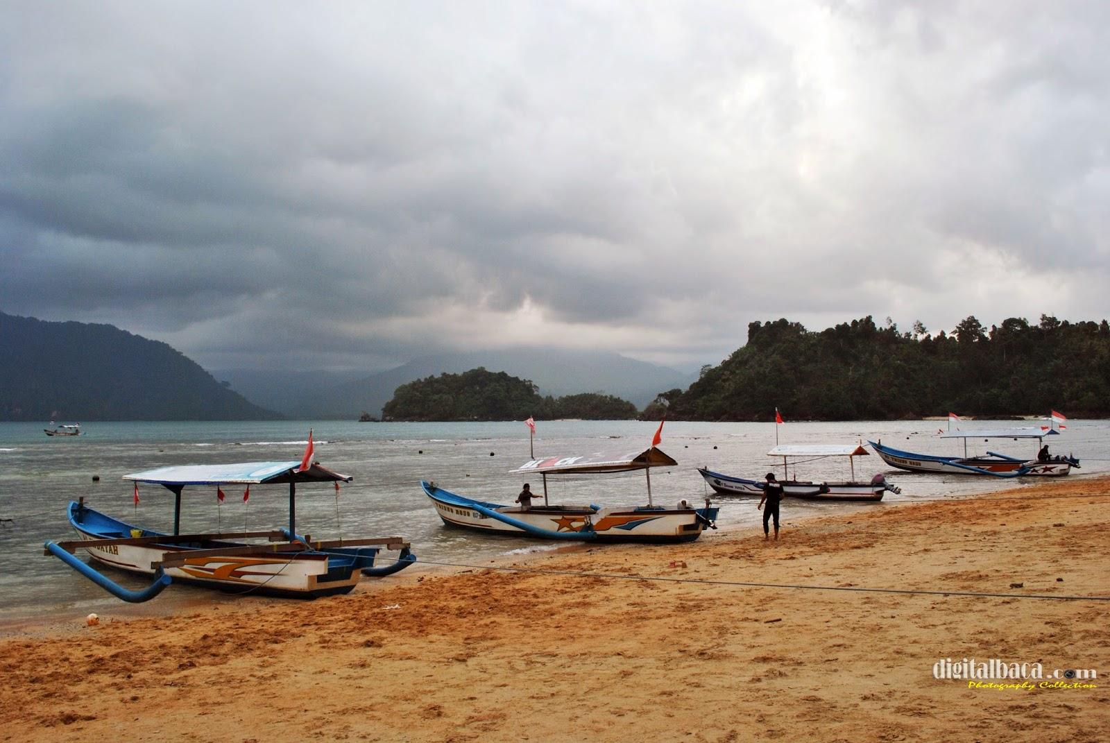 Pasir Putih Pantai Prigi Trenggalek Jawa Timur Digital Baca Kab
