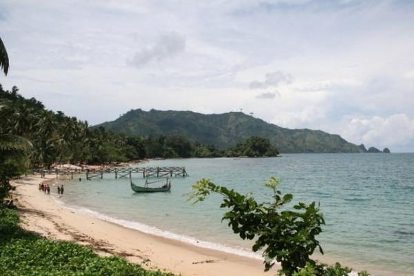 Trenggalek Batal Swastanisasi Wisata Pantai Prigi Antara News Jawa Kab