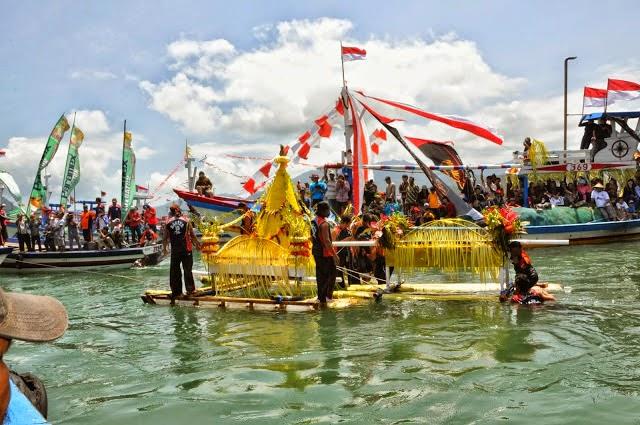 Wisata Pantai Prigi Trenggalek Jawa Timur Daltonnet Kawasan Berhadapan Langsung