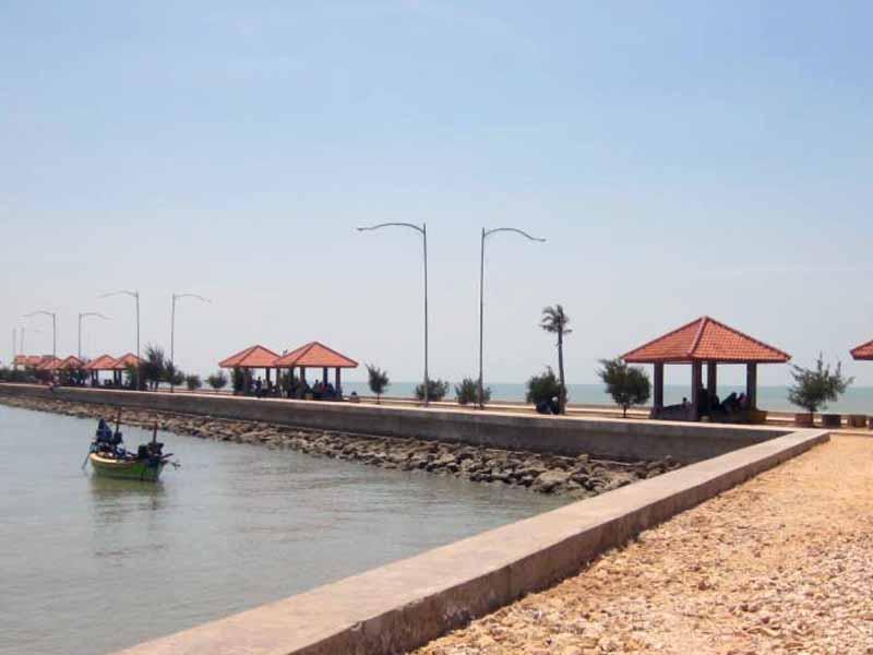 10 Obyek Wisata Tuban Patut Dikunjungi Pantai Boom Terletak Sekitar