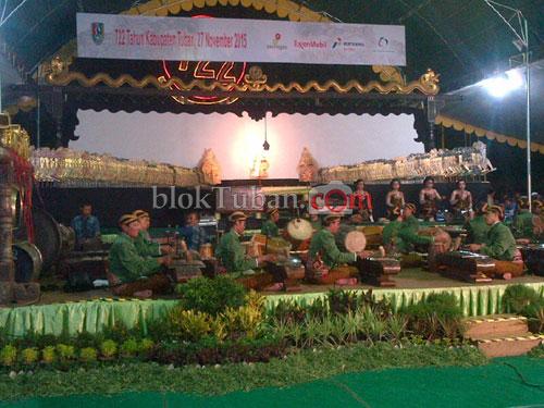 Bloktuban Penonton Ki Anom Padati Alun Tuban Kab