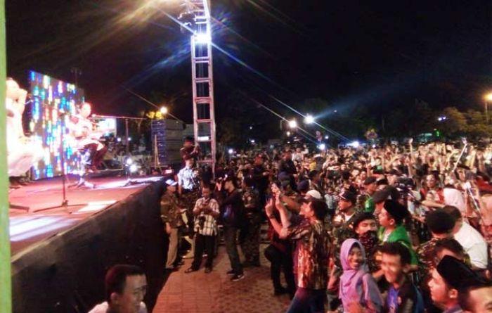 Meriah Konser Wali Band Alun Tuban Dipadati Ribuan Warga Kab