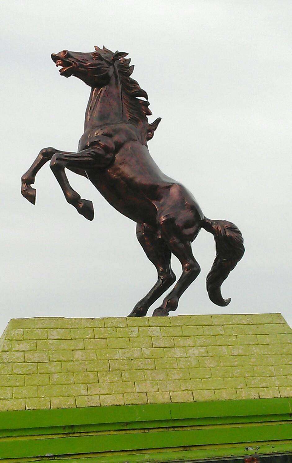 Patung Kuda Alun Kota Tuban Belajar Bertani Mandiri Kab
