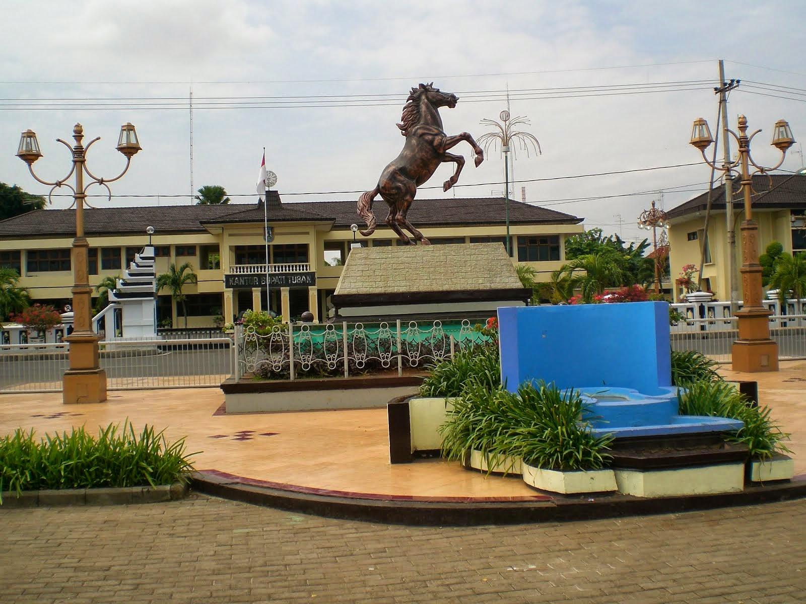 Pesona Wisata Tuban Kimronggolawe Daya Tarik Kota Sektor Pariwisata Diantaranya