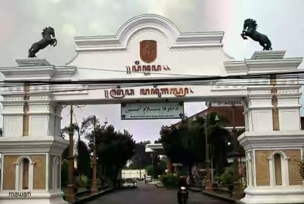 Ronggolawe News Laman 6 Ronggolawenews Berjalan Jalan Keliling Alun Kota