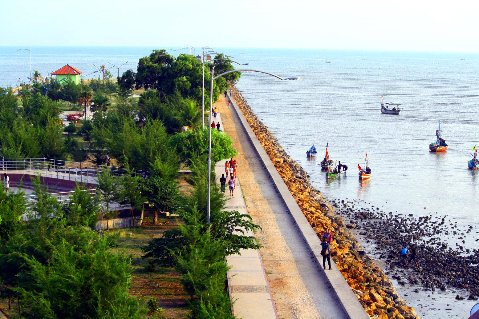 Story Experience Pantai Boom Tuban Pusat Kota Tepatnya Semenanjung Kutorejo