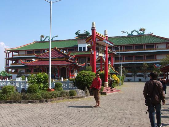 Alun Klenteng Picture Kwan Sing Bio Temple Tuban Kab