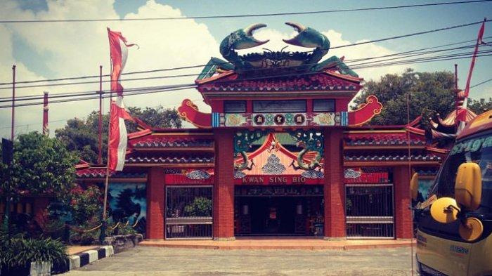 Kepiting Raksasa Legenda Kong Klenteng Kwan Sing Bio Tuban Kab