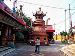 Kwan Sing Bio Temple Biggest Sygnagogue South East Asia Klenteng