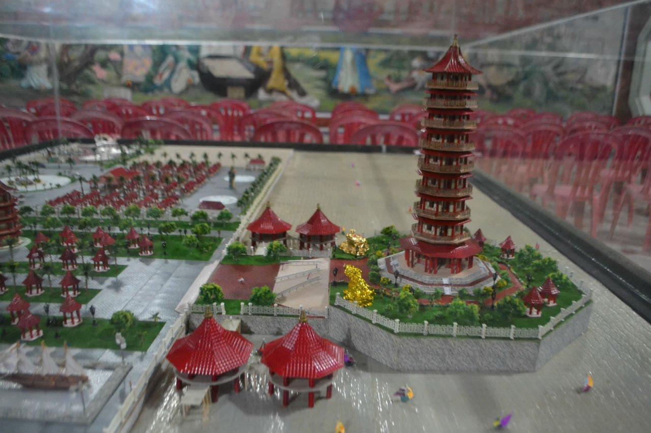 Pagoda Sembilan Lantai Kelenteng Kwan Sing Bio Tuban Youtube Klenteng