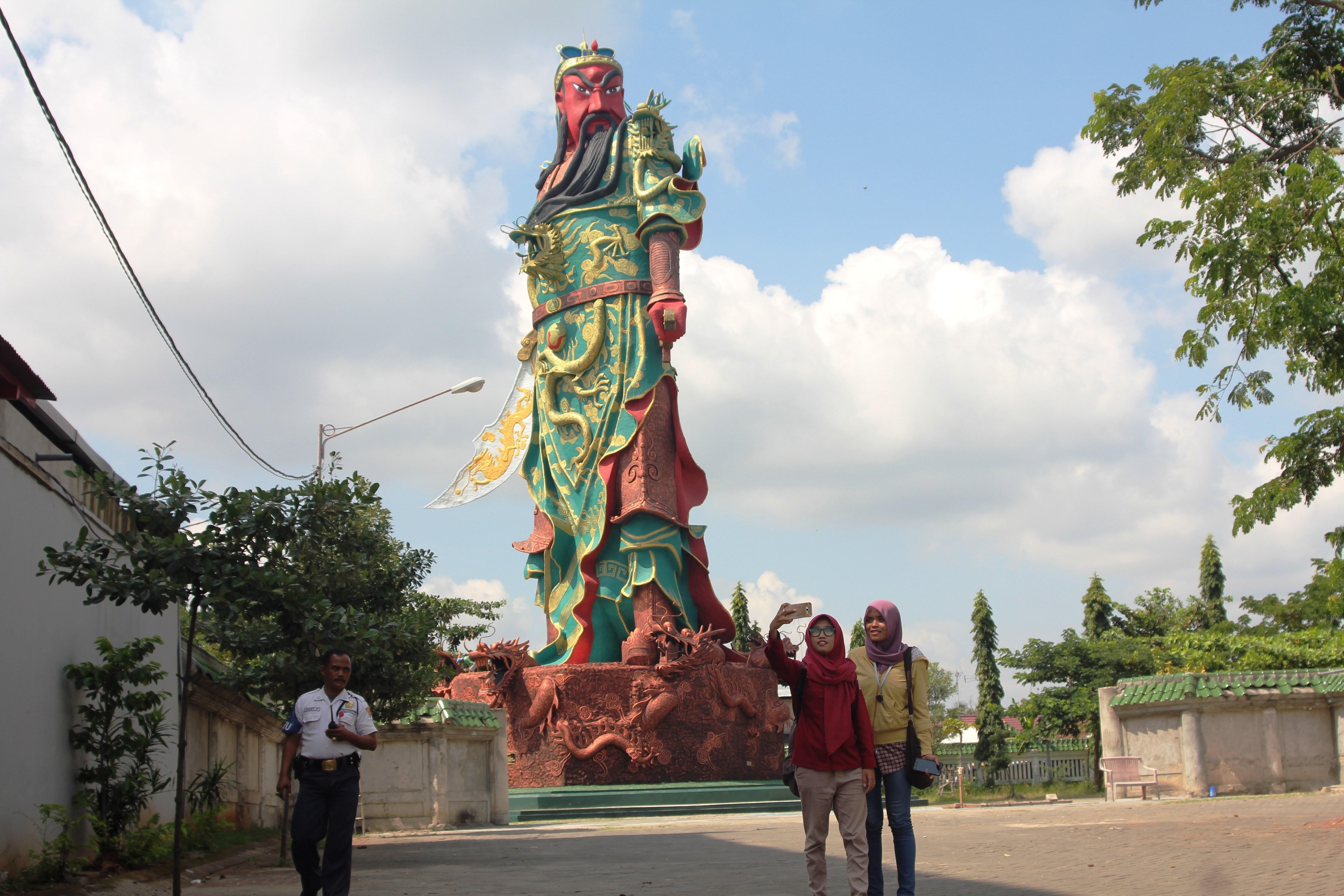 Patung Dewa Tuban Ilegal Mui Desak Pemkab Tegur Pengelola Tampak