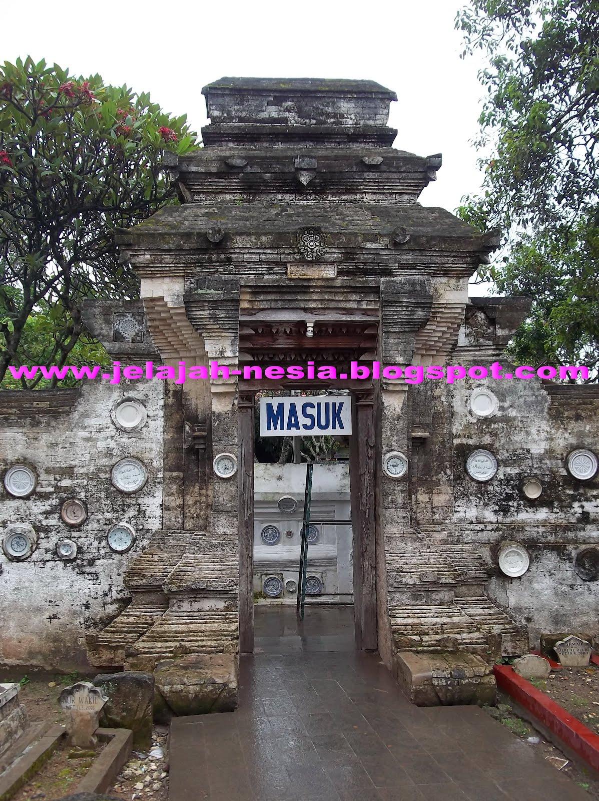 Jejak Budaya Lampau Makam Sunan Bonang Tuban Oleh Heri Kab
