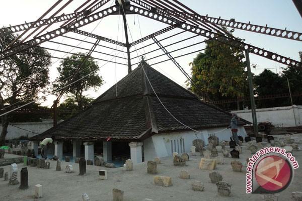 Makam Sunan Bonang Mulai Dipadati Peziarah Ramadhan Antara News Kab
