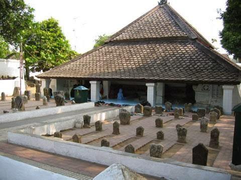 Mengenang Petilasan Masjid Sunan Bonang Rembang Nu Online Makam Kab