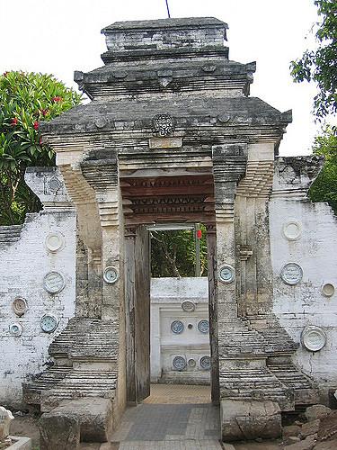 Pintu Makam Sunan Bonang Tuban Kalo Ngga Salah Gerbang Flickr