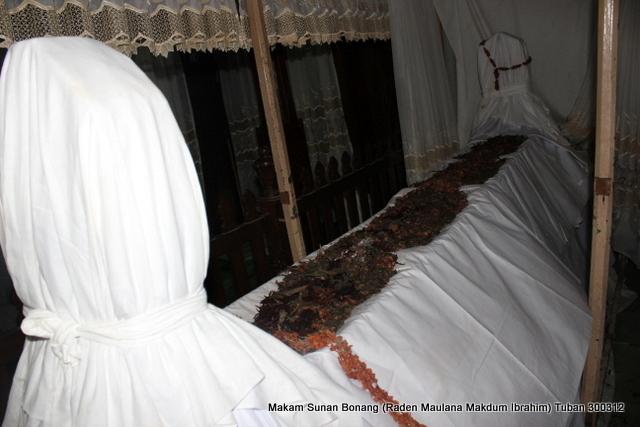 Sekar Rinonce Ziarah Walisongo Makam Sunan Bonang Tuban Bupati Lupa