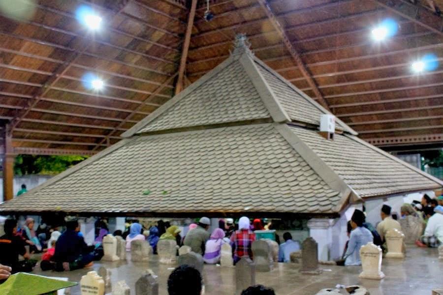 Wisata Religi Sejarah Makam Sunan Bonang Tuban Kab