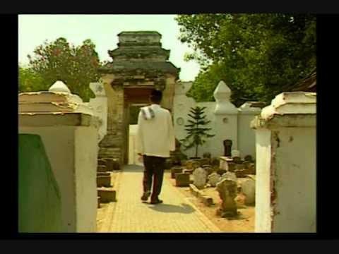 Wisata Religi Sunan Bonang Tuban Youtube Makam Kab