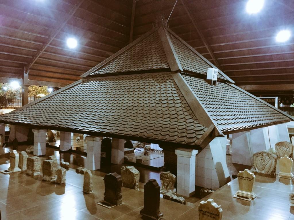 Wisata Religi Ziarah Makam Sunan Bonang Tuban Blog Kab