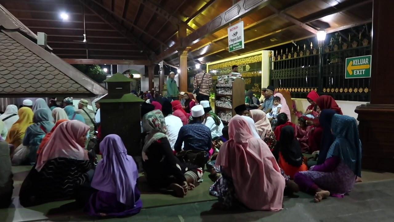 Wisata Religi Ziarah Makam Sunan Bonang Tuban Youtube Kab