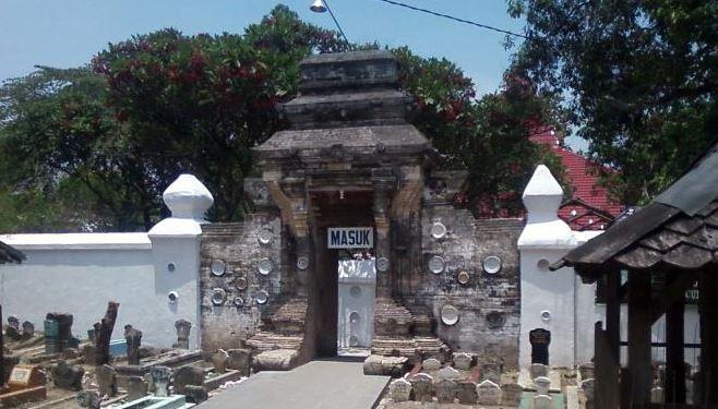 Wisata Tuban Makam Sunan Bonang Kab