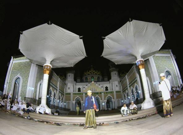23 Tempat Wisata Terpopuler Tuban Jawa Timur Recomended Masjid Agung