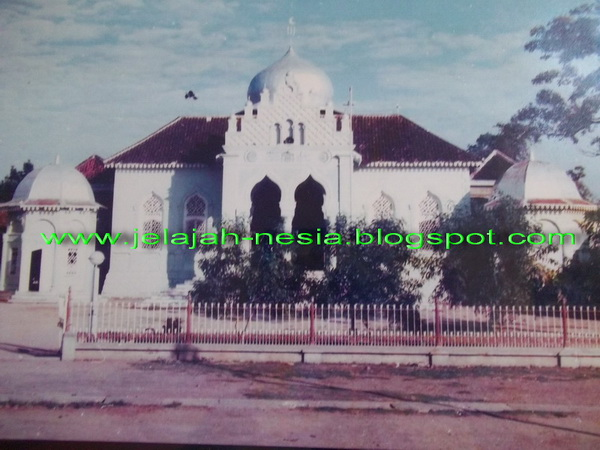 Jelajah Nesia 2 Mengenang Sejarah Tuban Lampau Masjid Agung Sebuah