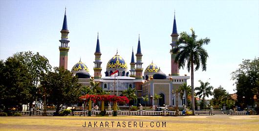 Kemilau Masjid Agung Tuban Jawa Timur Jakarta Seru Peninggalan Wali
