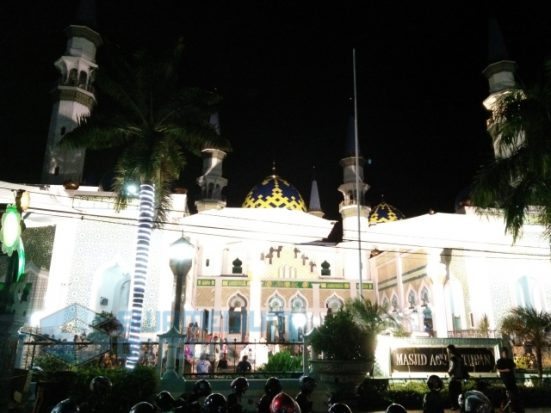 Menelusuri Sisi Lain Masjid Agung Tuban Malam Hari Swamedium Kab