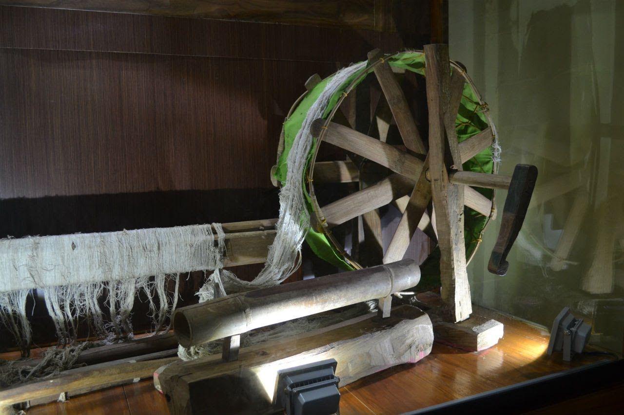 Eksotisme Tenun Batik Gedog Museum Kambang Putih Tuban Kab