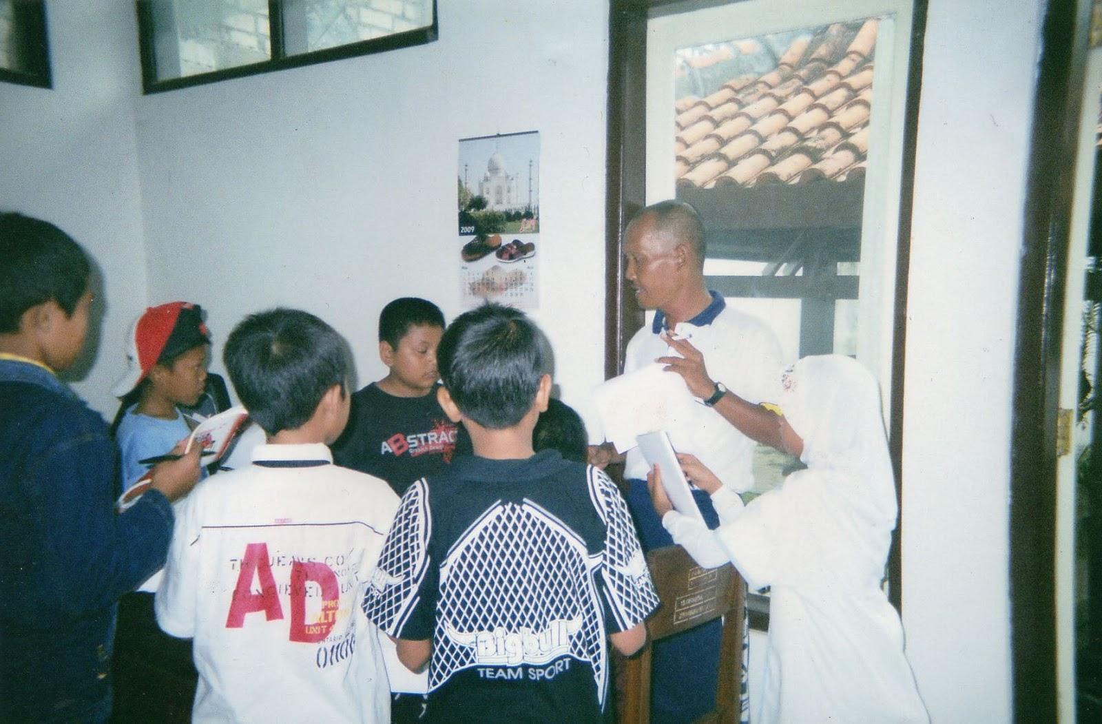 Mengunjungi Museum Kambang Putih Tuban Bilik Merah Kab