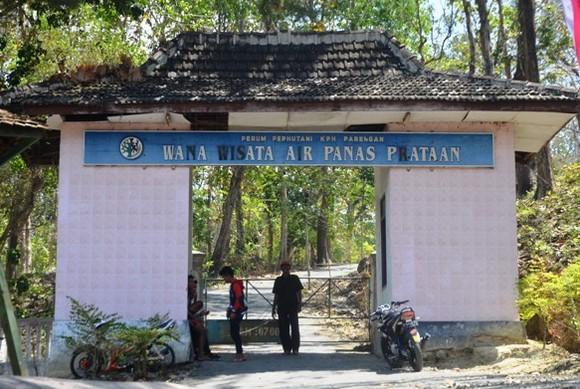 Pesona Keindahan Wisata Pemandian Air Panas Prataan Tuban Bektiharjo Kab